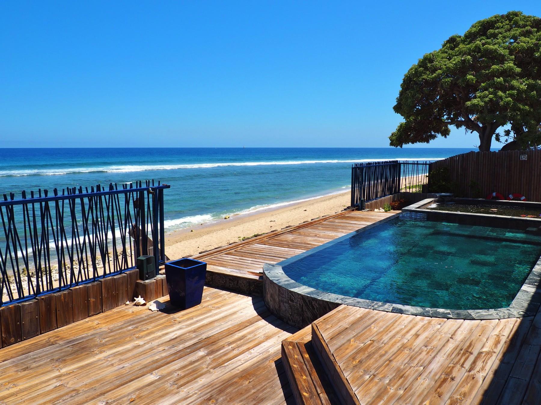Location villa saint gilles les bains avec acc s direct for Piscine ile bleu seynod