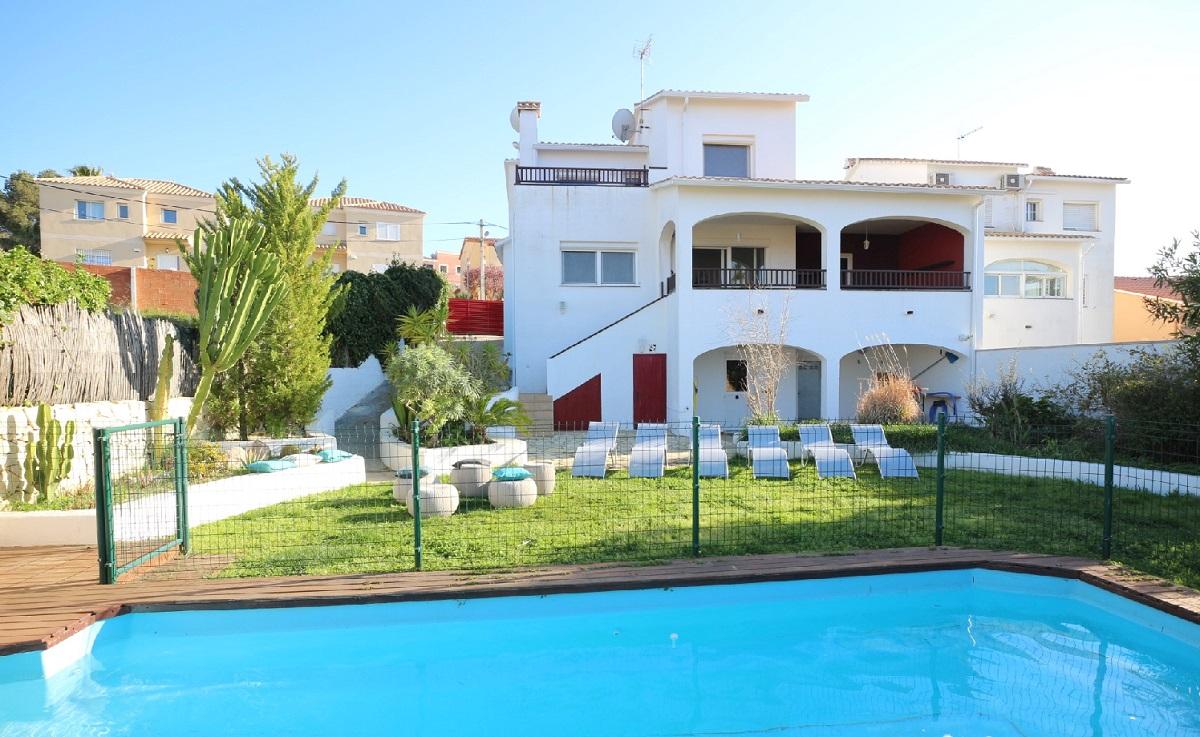 Barcelone sitges villa catalogne location vacances villa for Villa barcelone avec piscine