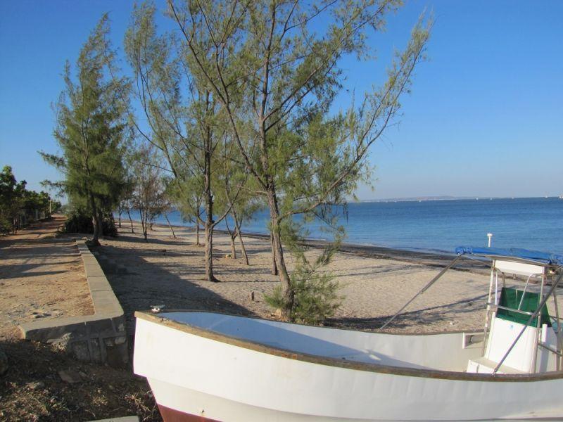 madagascar majunga villa lodge sur la plage cote nord ouest de madagascar. Black Bedroom Furniture Sets. Home Design Ideas