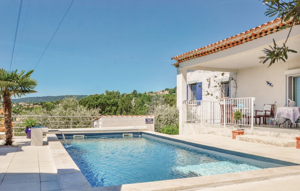 location maison vacances avec piscine alpes de haute provence ventana blog. Black Bedroom Furniture Sets. Home Design Ideas