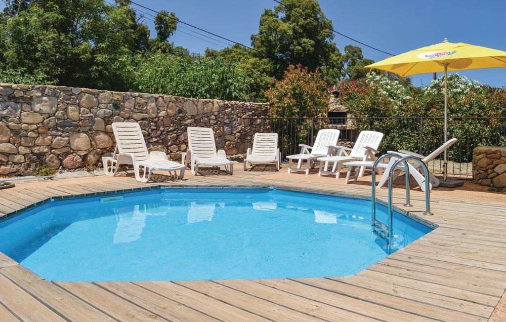 location villa ghisonaccia en corse avec piscine priv e. Black Bedroom Furniture Sets. Home Design Ideas
