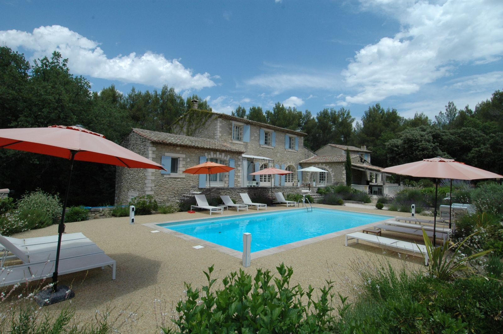 Provence location villa luxe luberon avec piscine privee for Villa piscine privee