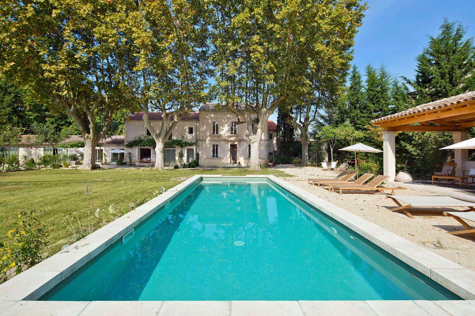 avignon location villa luxe provence avec piscine privee et personnel