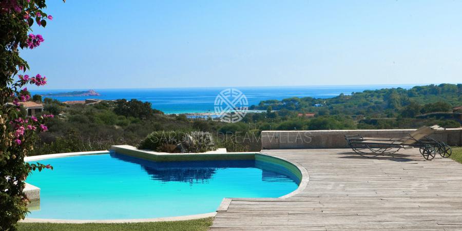 Location Villa En Sardaigne Avec Piscine Privée Et Personnel - Location villa en sardaigne avec piscine
