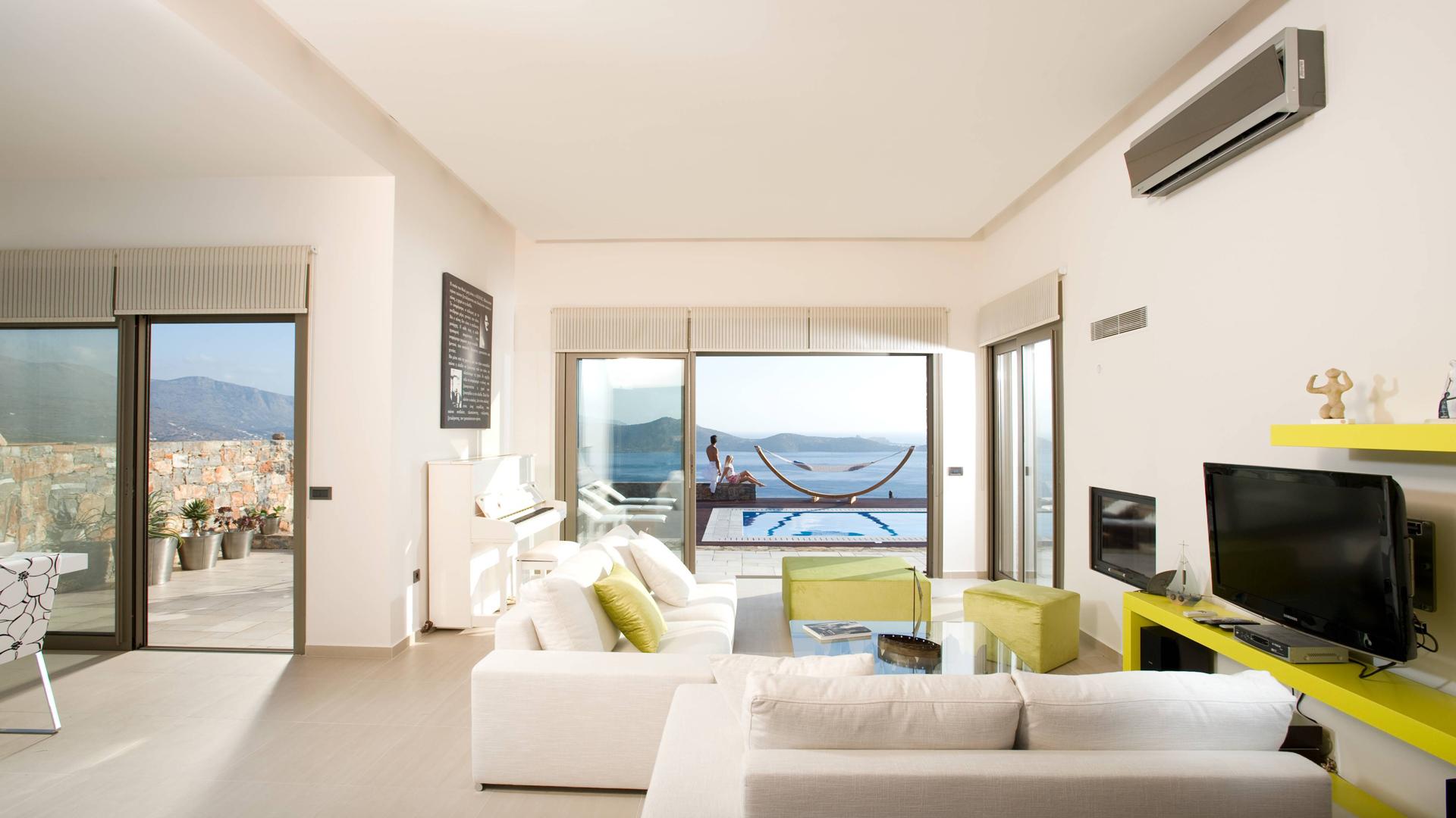 Grece location vacances villa crete elounda for Location ariege avec piscine