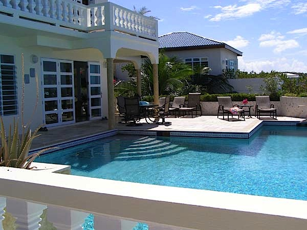 Location Villa De Luxe  Anguilla Avec Piscine Prive En Front De