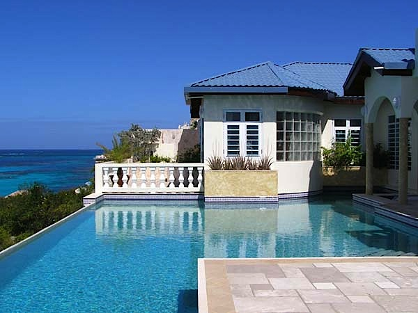 Location villa de luxe à anguilla avec piscine privée en front de mer shoal bay