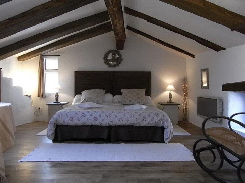 chambres d 39 hotes de charme au coeur du village m di val d 39 alencon. Black Bedroom Furniture Sets. Home Design Ideas
