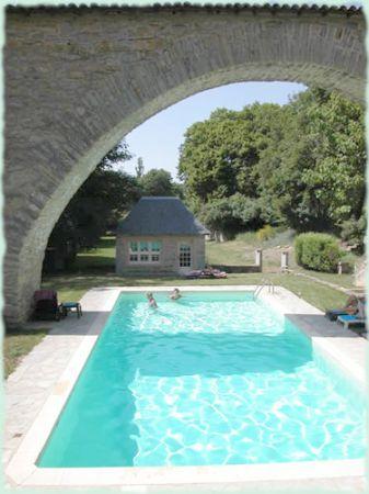 Aveyron location vacances millau chambres d 39 hotes aveyron - Location aveyron piscine ...