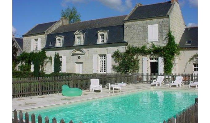 location vacances d 39 une maison manoir de charme pr s de saumur piscine. Black Bedroom Furniture Sets. Home Design Ideas