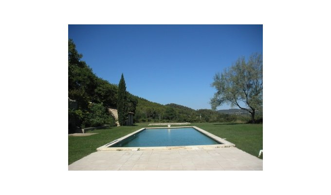 Location vacances n mes avec piscine location vacances for Piscine nemausa nimes tarifs