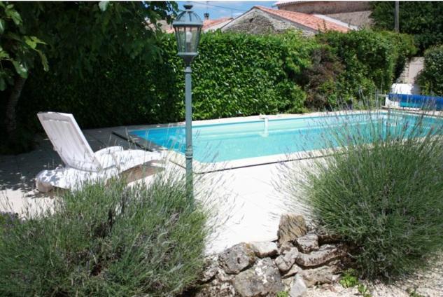 Charente maritime 17 chambres d 39 hotes cognac piscine for Piscine charente maritime