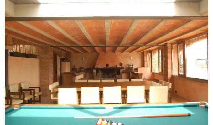 Location villa barcelone avec piscine lli d amunt - Location maison avec piscine barcelone ...