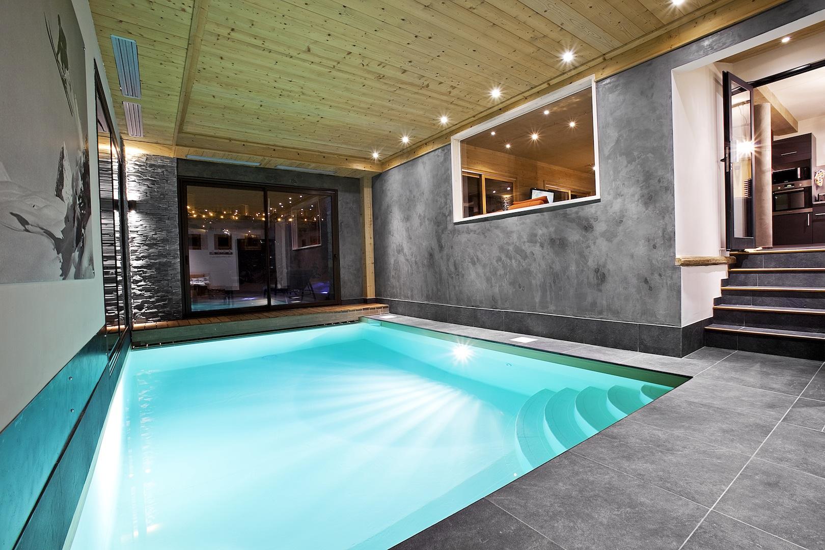 Location chalet avec piscine courchevel les 3 vall es en for Chalet avec piscine