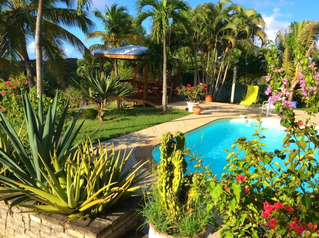 Guadeloupe grande terre sainte anne villa location villa for Jardin tropical guadeloupe