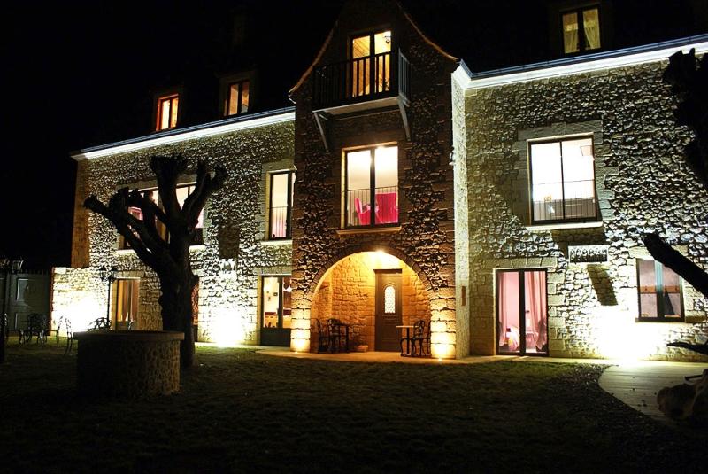 Location Villa Luxe  Sarlat En Dordogne Pour    Pers Piscine