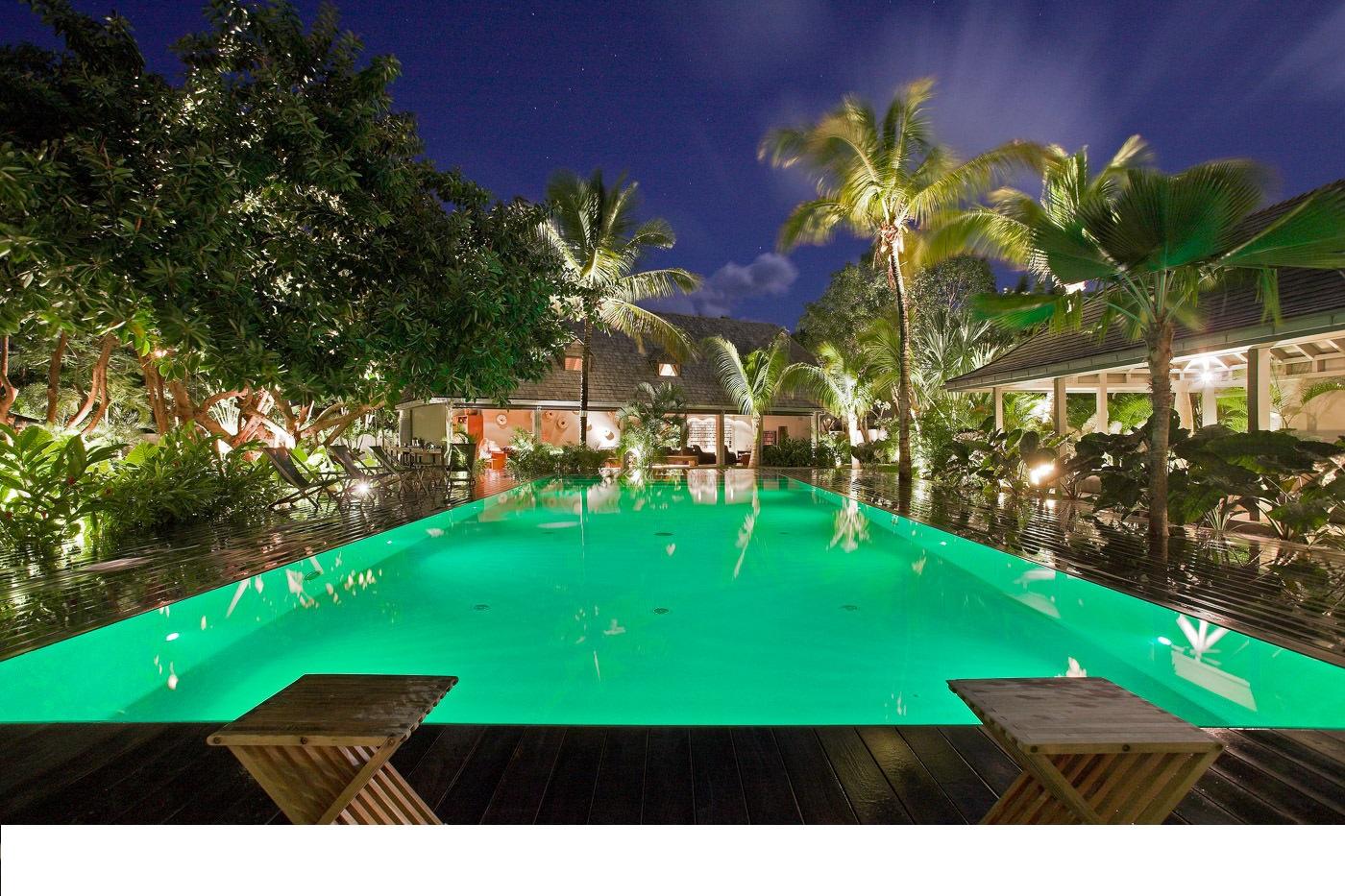 Location saint barthelemy villa de luxe avec piscine for Lorient piscine