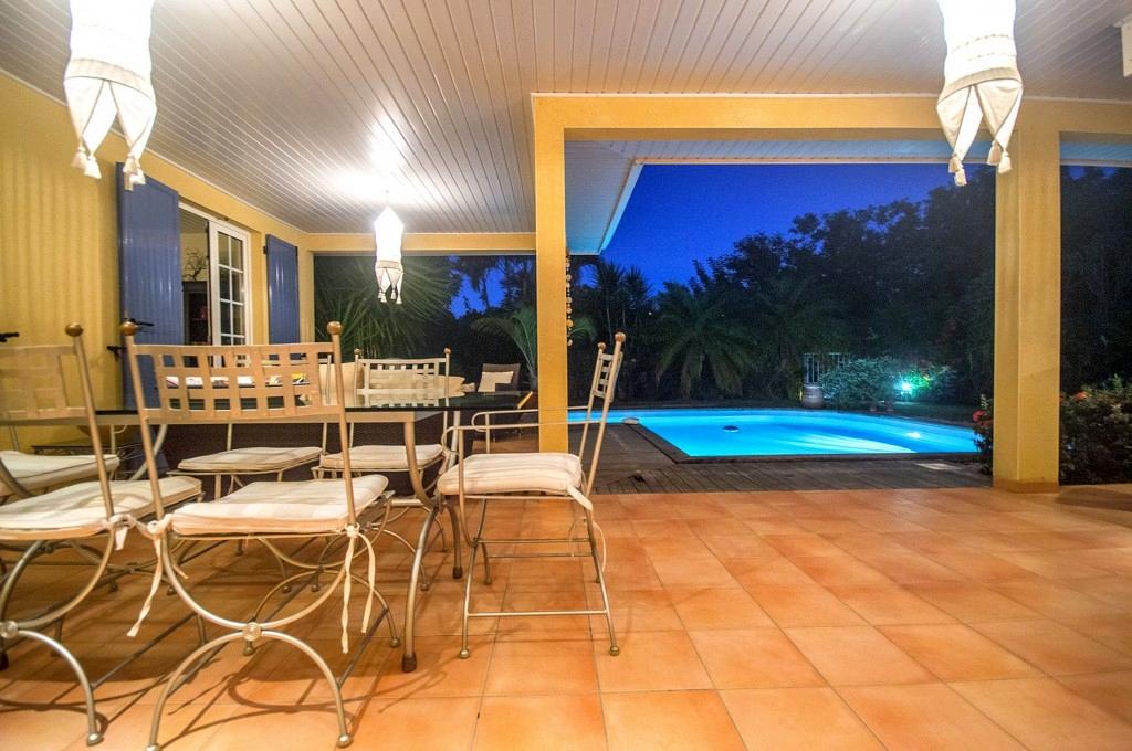 Location villa martinique le diamant avec piscine privee for Location villa