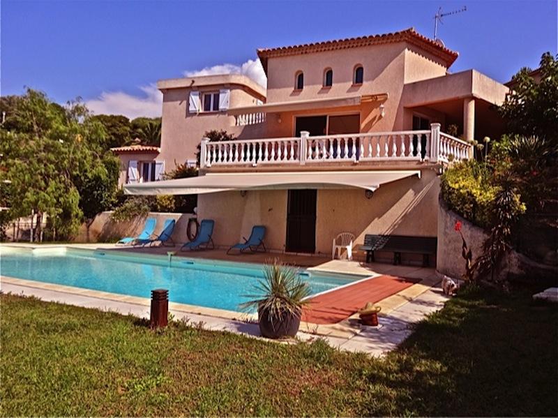 corse location villa porticcio avec piscine priv e 3 min de la. Black Bedroom Furniture Sets. Home Design Ideas