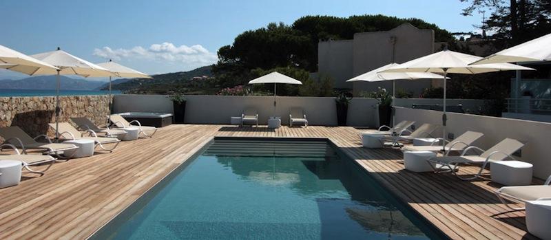 r sidence h teli re de luxe 5 sur la plage ile rousse calvi. Black Bedroom Furniture Sets. Home Design Ideas