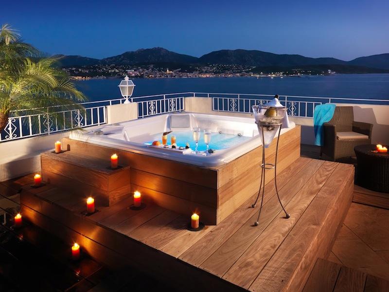Suites charme appartements avec piscine et jacuzzi priv for Suite avec piscine