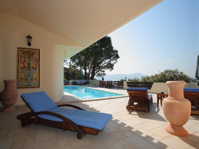 Location Vacances Villa De Luxe PortoVecchio  Pers Avec Piscine