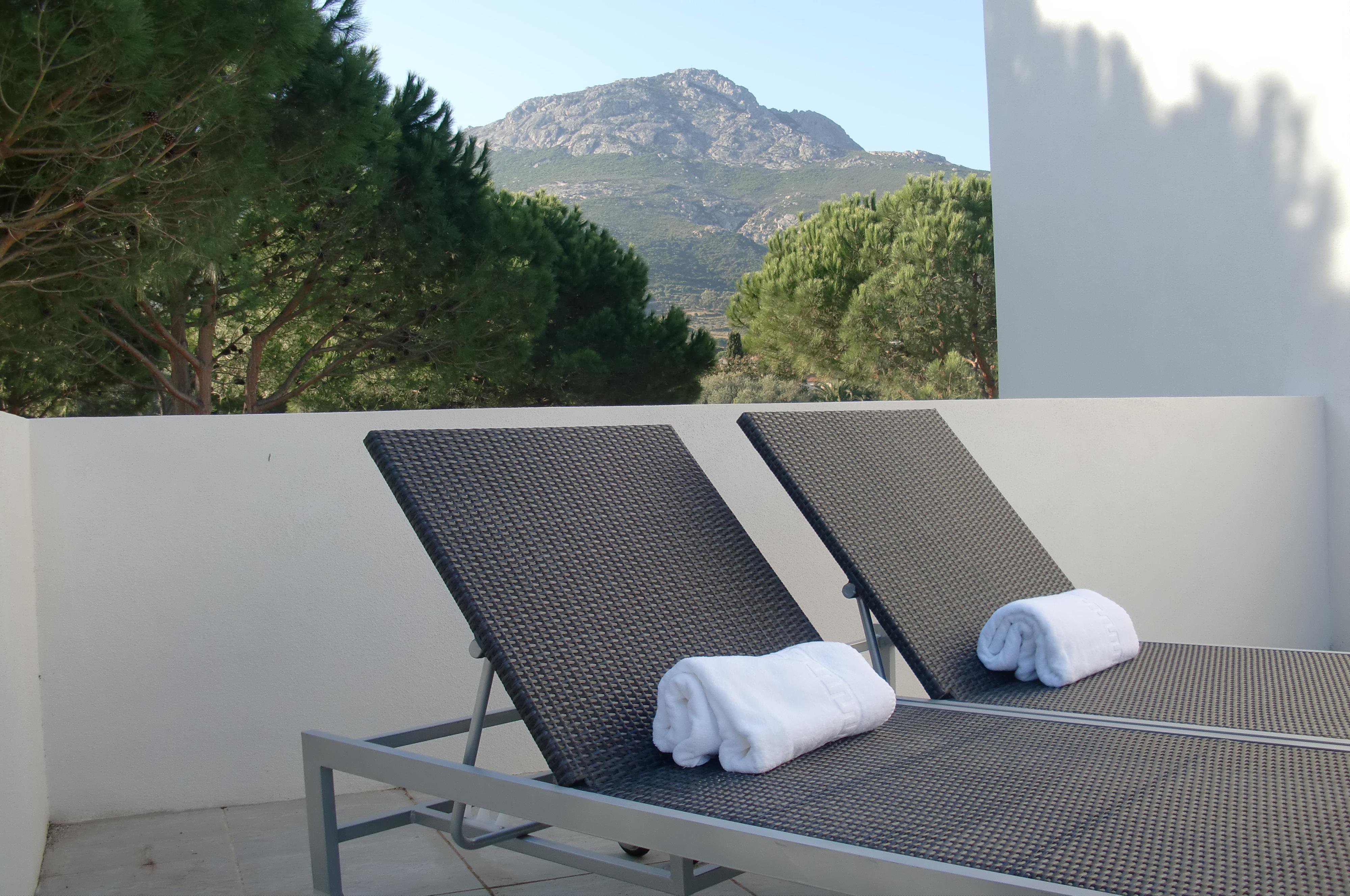 Location villa de luxe 5 calvi ile rousse piscine for Location garage ile rousse