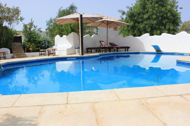 algarve faro maison vacances studio et location vacances en algarve pr s de faro avec piscine. Black Bedroom Furniture Sets. Home Design Ideas
