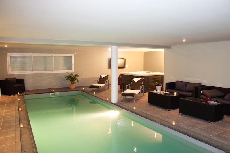 Location Villa Solenzara Piscine Chauffee Interieure Et