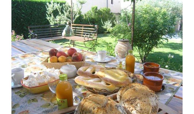 Provence alpes vaucluse avignon chambres d 39 hotes chambre - Chambre chez l habitant aix en provence ...