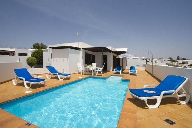 Lanzarote puerto del carmen villa location villa puerto for Location villa lanzarote avec piscine