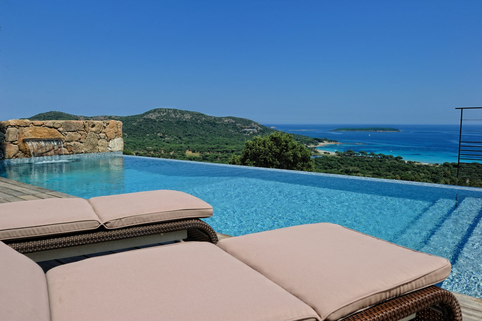 location villa porto vecchio piscine privee jacuzzi plage. Black Bedroom Furniture Sets. Home Design Ideas