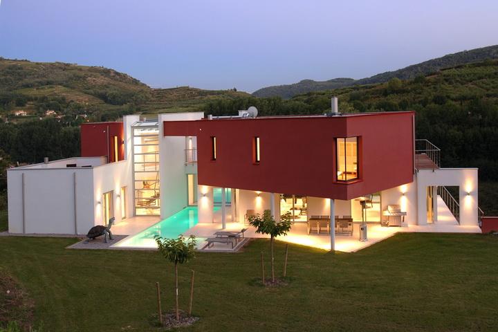 Location maison luxe en ardeche avec piscine entre lyon et for Piscine annonay