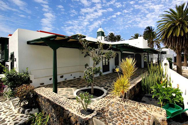 Location villa lanzarote haria avec piscine int rieure for Location villa lanzarote avec piscine