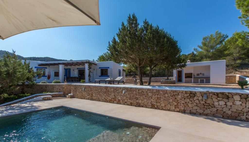 Location villa ibiza piscine priv e cala tarida iles for Piscine baleares