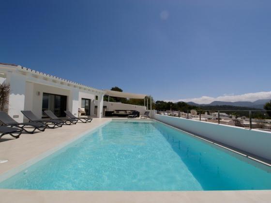 location villa de luxe ibiza piscine priv e bord de mer cala conta. Black Bedroom Furniture Sets. Home Design Ideas