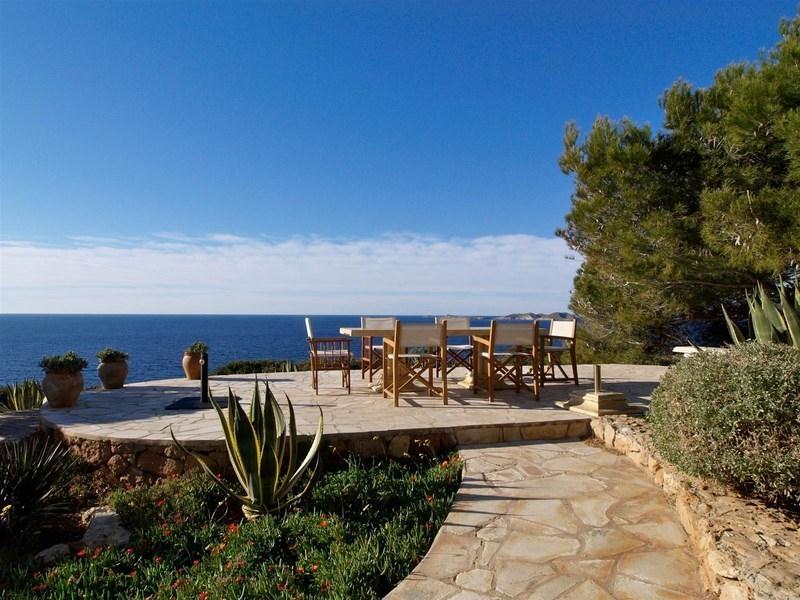 location villa de luxe ibiza piscine priv e bord de mer calo d 39 en. Black Bedroom Furniture Sets. Home Design Ideas