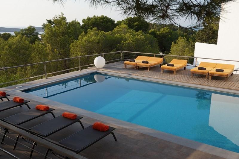 Location Villa De Luxe Ibiza Piscine Privee Pieds Dans L Eau Cala