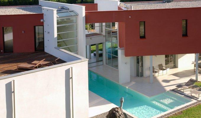Location maison luxe en ardeche avec piscine entre lyon et for Ardeche location maison