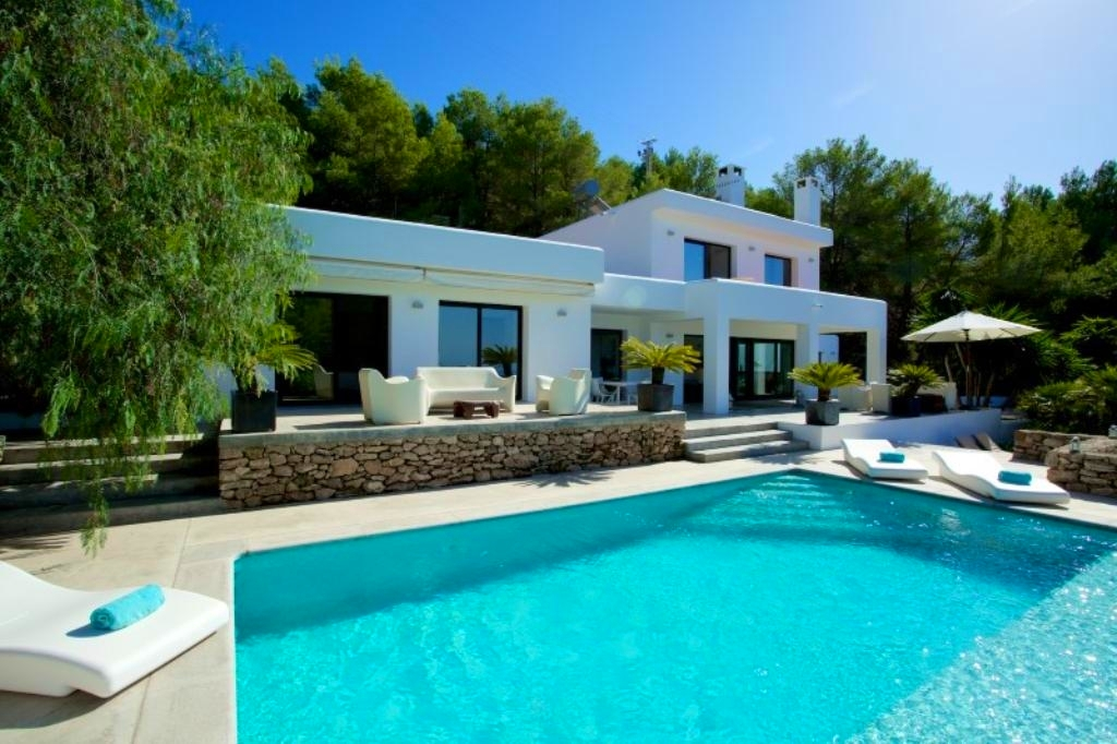 Location villa de luxe ibiza piscine priv e bord de mer for Villas ibiza