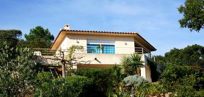 location villas et mini villas ste lucie de porto vecchio residence. Black Bedroom Furniture Sets. Home Design Ideas