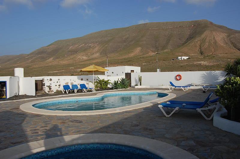 Location appartement lanzarote teguise avec piscine dans for Location villa lanzarote avec piscine