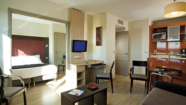 appart hotel aeroport toulouse blagnac 4 piscine wifi. Black Bedroom Furniture Sets. Home Design Ideas