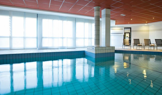 Appart hotel aeroport toulouse blagnac 4 piscine wifi for Piscine blagnac