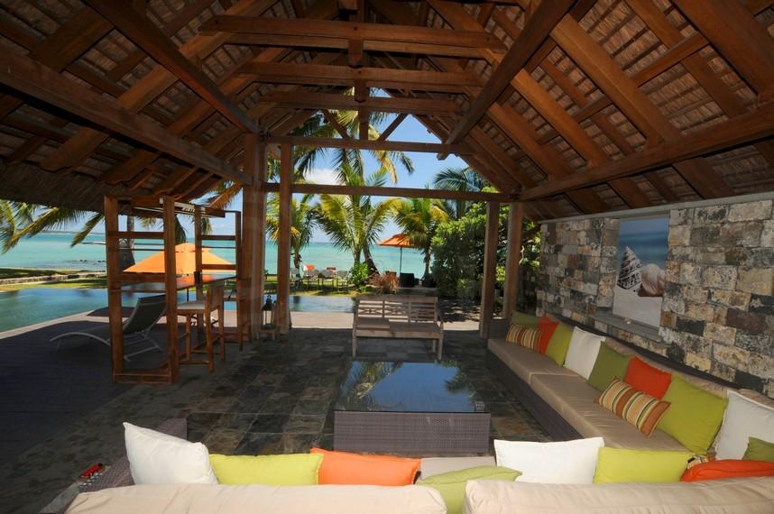 Location villa ile maurice pied dans l 39 eau sur la plage de - Location de piscine privee ...