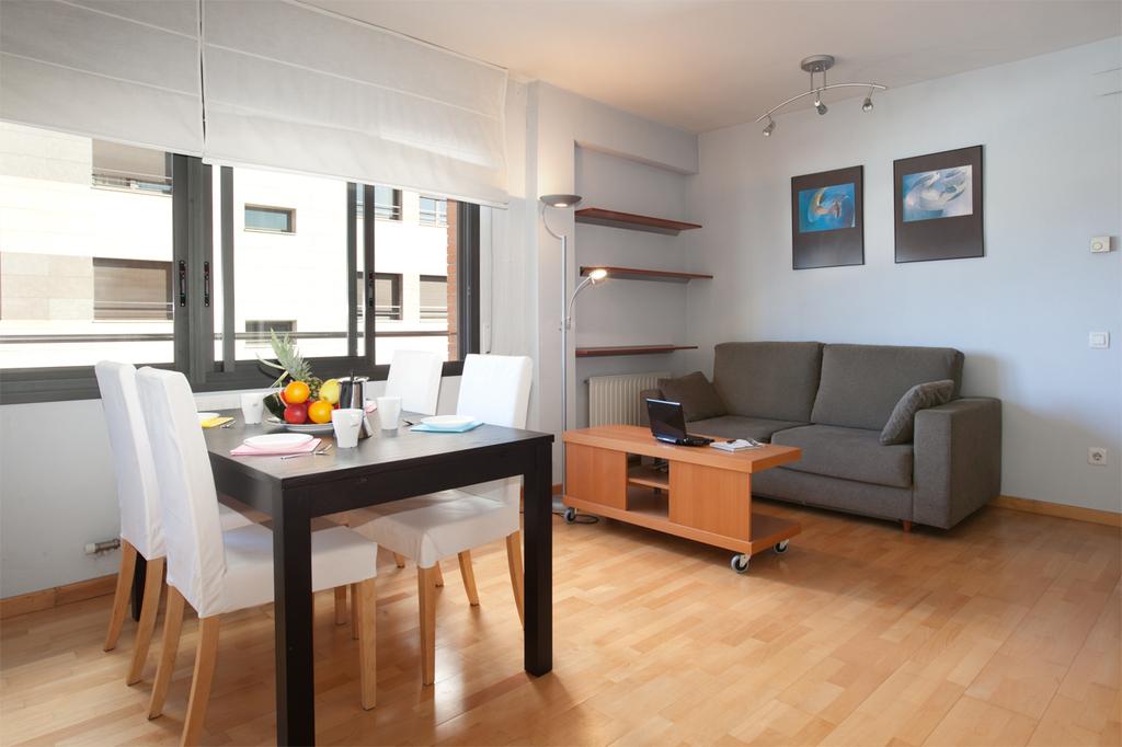 catalogne location vacances appartement plage barcelone. Black Bedroom Furniture Sets. Home Design Ideas