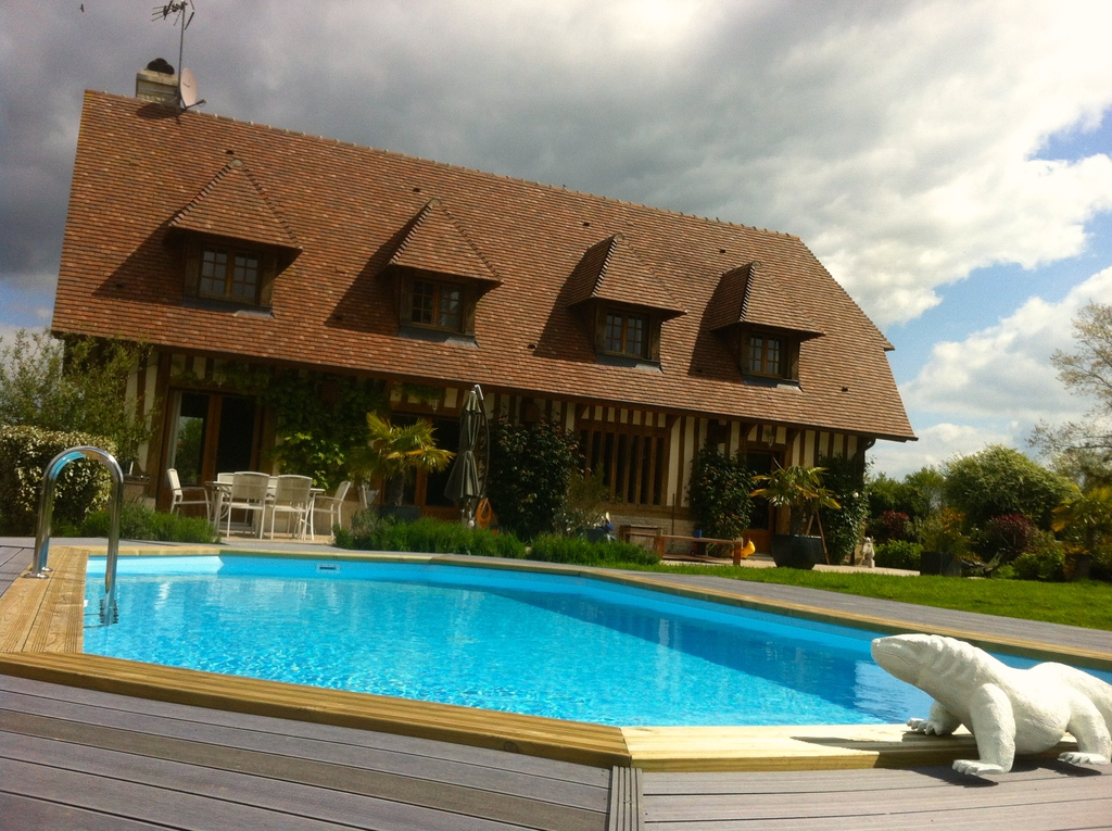 Normandie deauville maison vacances location maison de for Location villa avec piscine normandie