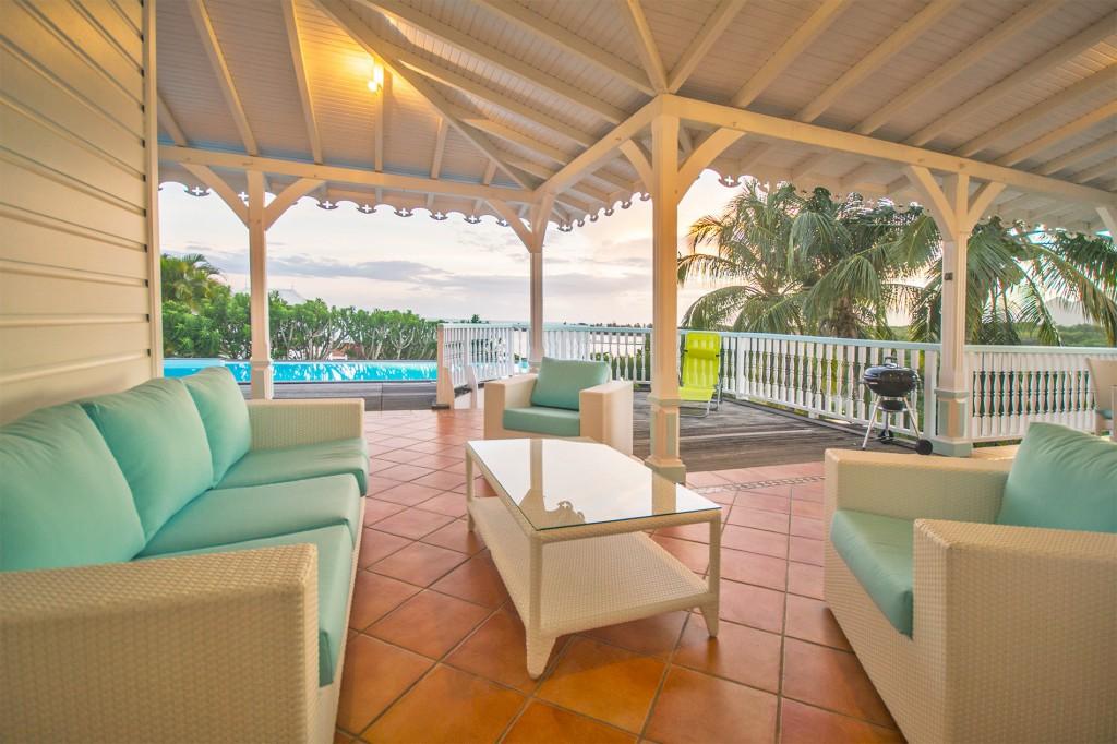 Location villa martinique avec piscine priv e le diamant - Location villa piscine martinique ...