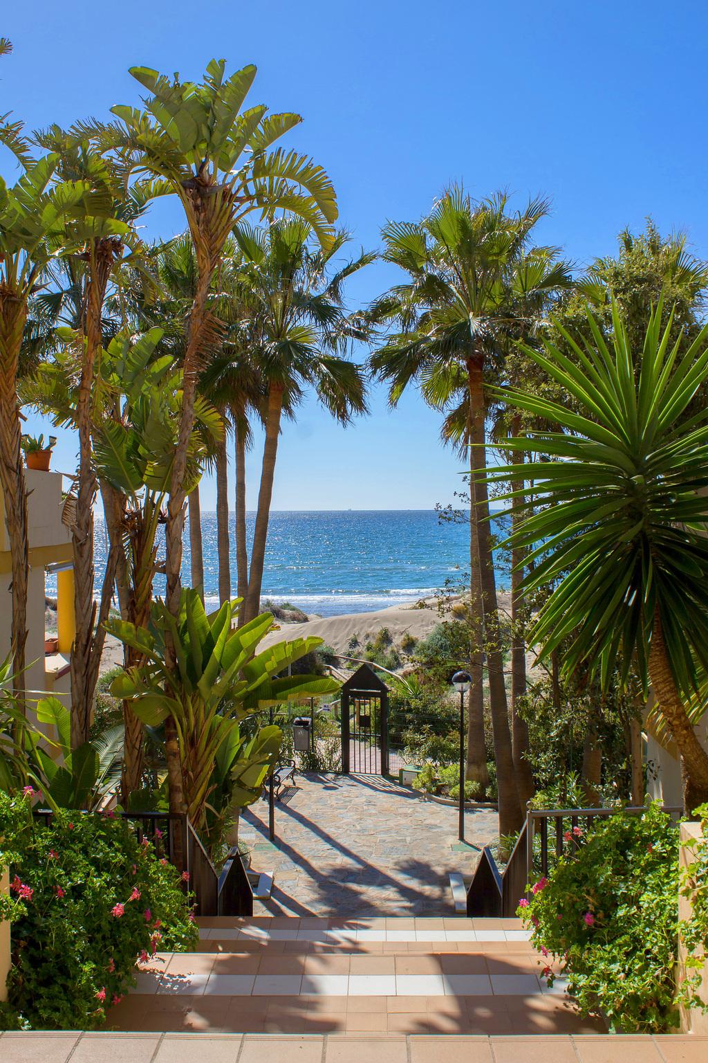 location appartement marbella piscine bord de mer malaga costa del. Black Bedroom Furniture Sets. Home Design Ideas