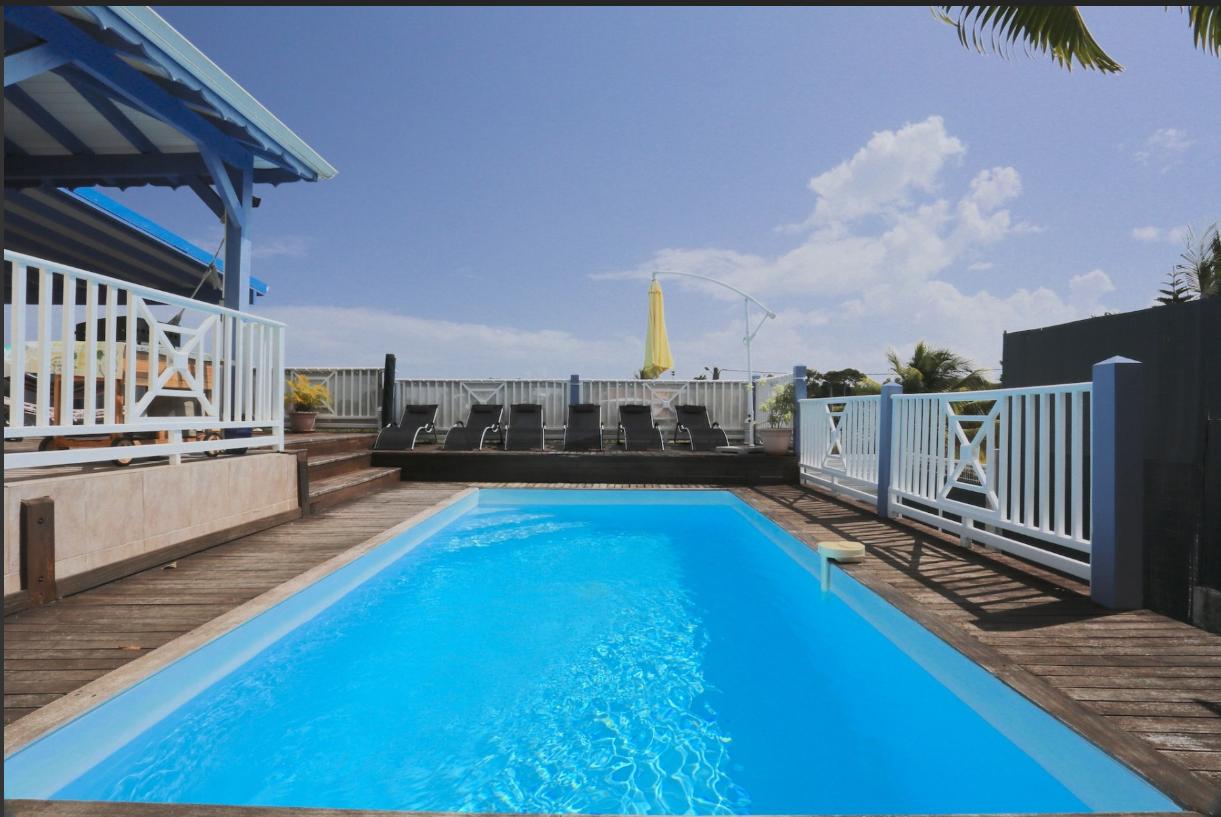 location villa guadeloupe avec piscine priv e. Black Bedroom Furniture Sets. Home Design Ideas